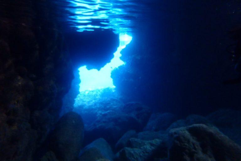 宮古島シュノーケリング 青の洞窟